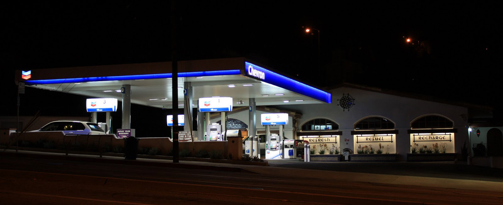 IMG_3918-gas+station